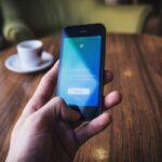 В Twitter заморозили более 70 тыс. профилей за распространение теории заговора QAnon