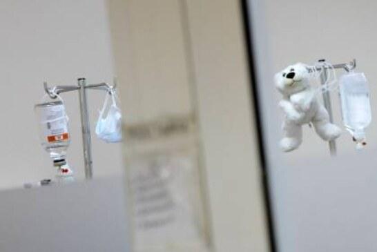 Врачи сообщили о состоянии девочки, сбитой снегоуборочной техникой в Зее