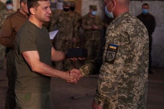 Военкор Дмитрий Стешин рассказал о цирковом номере Владимира Зеленского в Донбассе