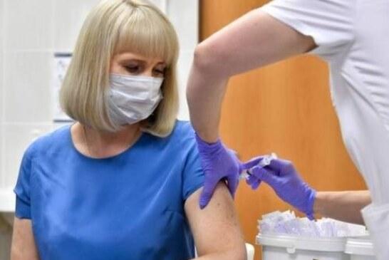 Американские эксперты предупредили о возможной ревакцинации: может понадобиться третья доза