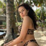 С животиком и боками. Настя Каменских опубликовала фото до и после похудения | StarHit.ru