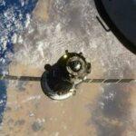Космонавты покинули приземлившийся аппарат «Союз МС-17»