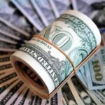 Эксперты исключили возможность полного отказа от доллара в международных расчетах
