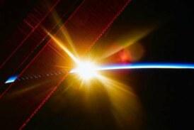 «Роскосмос» планирует экстренно отправлять в космос сварщиков