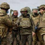 Зеленский встретился с военными в Донбассе