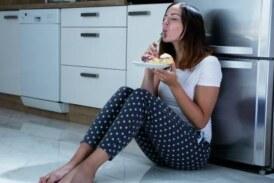 Почему тянет перекусить перед сном и как это прекратить