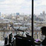 Опрос показал, сколько россиян хотят вернуться в офис после пандемии