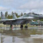 Российские истребители МиГ-29 в небе над Ереваном стали предупреждением для Баку