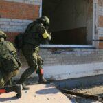 В Сирии при взрыве бронемобиля погиб российский военный