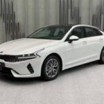 KIA K5 стал популярнее Toyota Camry в России