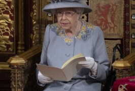 Елизавета II пригласила принца Гарри и Меган Маркл на свой юбилей восшествия на престол