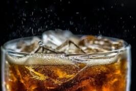 В Китае 22-летний мужчина умер после 1,5 литра выпитой газировки
