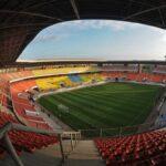 Во Франции во время футбольного матча из-за падения осветительного прибора погиб работник стадиона