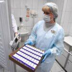 Иммунолог назвал «подводные камни» российской вакцины от коронавируса