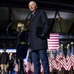 США определились с новым президентом: коллегия выборщиков проголосовала за Байдена