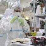 Иммунолог рассказал о правилах проживания с зараженным коронавирусом