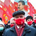 Представители левых сил возложили цветы к могиле Сталина в день его рождения