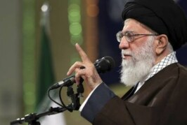 Эксперт рассказал, вакцинам каких стран доверяет верховный лидер Ирана