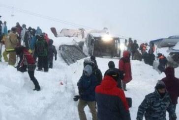 В результате схода лавины на Домбае пострадали восемь человек