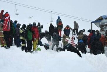Инструктор рассказал, как разбирал завалы после схода лавины на Домбае